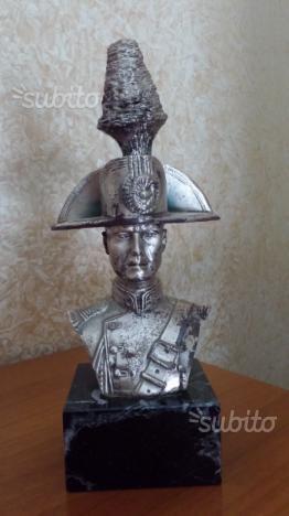 Busto carabiniere in grande uniforme
