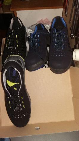 Due paia di scarpe antinfortunistiche Uvex n44 nuove