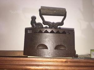 Ferro da stiro antico - Antiquariato