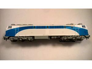 Roco  x marklin locomotiva renfe solo testata e' nuova