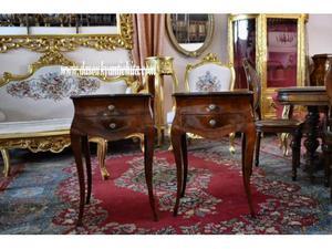 Coppia di comodini-tavolini bombati stile Luigi XV