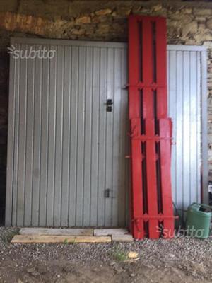 Portone basculante
