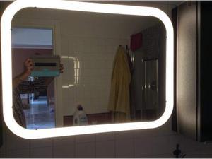 Specchio moderno da bagno con luce led superiore posot class - Specchio da bagno con luce a led ...