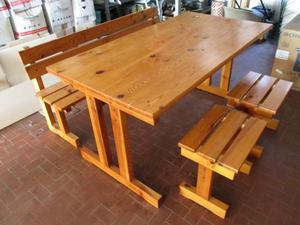 Tavolo legno chiaro con panca e 2 sgabelli coordinati