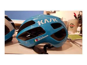 Adesivi bandiera nome telaio bici, casco personalizzati