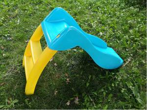 Occasione scivolo da giardino per bambini posot class for Scivolo chicco usato