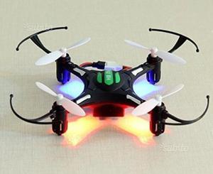 Drone con telecomando, scatola e accessori NUOVO