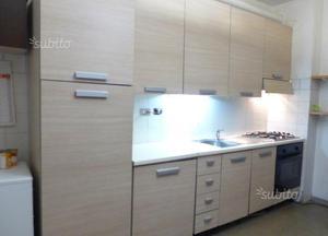 Cucina componibile lineare metri 4 5 circa posot class - Cucina lineare 4 metri ...