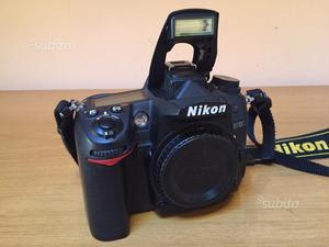 Fotocamera digitale reflex nikon d. corpo