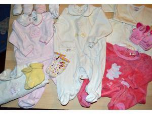 Lotto abbigliamento neonata 13 pezzi.