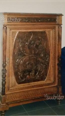 Mobile antico fine 700 in legno massello fatto posot class for Mobile antico