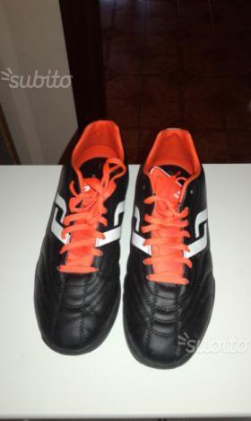 N 2 paia di scarpe da calcetto misura 31 e 41 | Posot Class