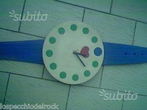 Orologio da parete in gomma a forma di orologio da