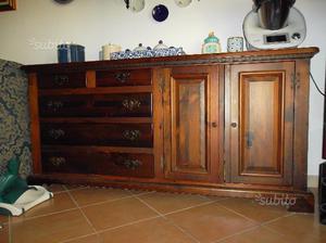 Set di mobili in legno massiccio