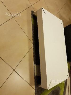 Tavolino salotto bianco lucido tofedryd ikea posot class for Tavolino soggiorno bianco