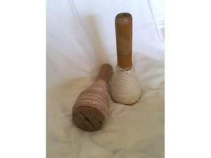 Filati su fusi di legno - altezza cm.24 - 8 euro l'uno