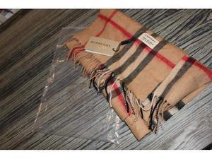Sciarpa burberry nuova con cartellino e busta