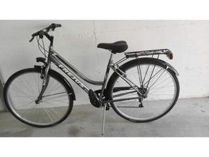 Bicicletta Frejus da donna ruote da 28 pollici nuova