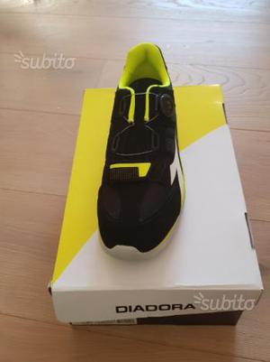 Scarpe diadora nuove numero 45