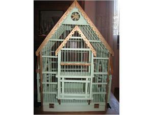 Antica gabbia in legno
