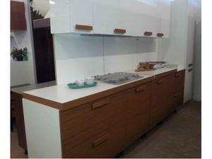 Cucine snaidero di sconto per rinnovo mostra posot class for Outlet cucine moderne
