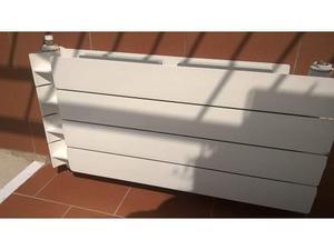 Termosifoni radiatori in alluminio posot class for Termosifoni in alluminio usati