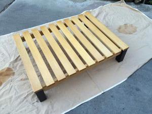 Tavolino da salotto giapponese in legno di iroko