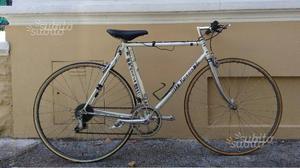 Bici da corsa rossin + rullo bici roto mistral