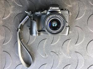 Canon Mirrorless M5 + obiettivo efm 22mm f/2
