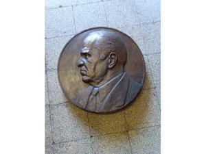 Fusione in bronzo di Ceausescu.