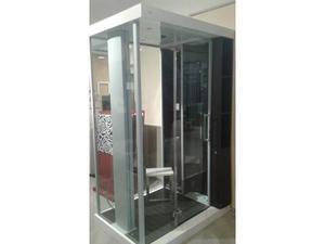 Box doccia centro stanza