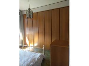 Camera compl. letto in ottone con lampadario e lampade