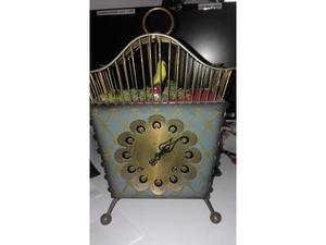 Orologio a cucu in gabbia