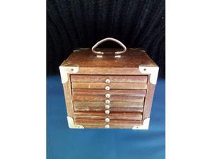 Scatola in legno a cassetti