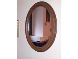 Specchio ovale con cornice noce nuovo
