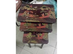 Tavolini nido orientale.