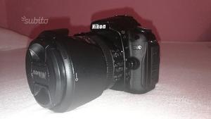 Nikon D90 con obiettivi