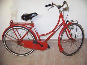 2 bici in blocco uomo e donna rosse funzionanti