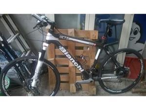 Bicicletta da uomo super leggera in fibra di carbonio