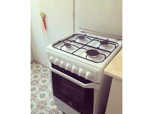 Cucina a gas con forno elettrico zoppas posot class for Frigorifero 60x60
