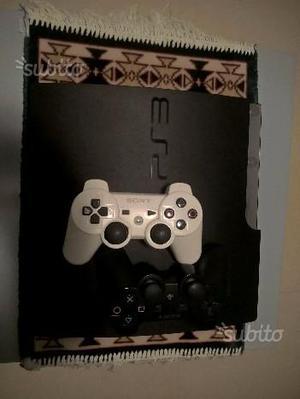 Ps3 slim 320gb + 11 giochi + 2 controller
