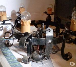 Vendo lampadario in ferro battuto stile