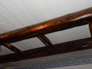 Antica scala a pioli in legno