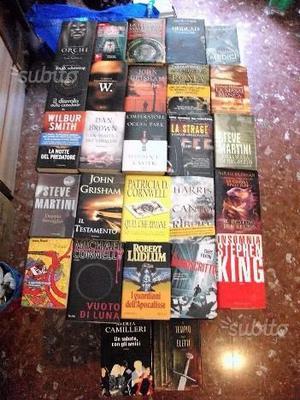 Lotto composto da 27 libri di vari generi