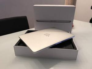 "MacBook Pro Retina 13"" Igb e 8gb ram"