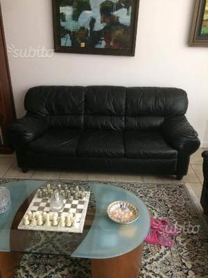 N° 2 divani in pelle