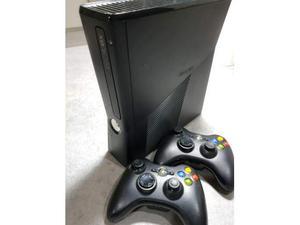 Xbox Gb + kinnekt + 2 joystick + giochi