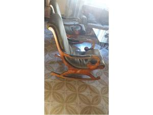 Coppia di sedie a dondolo in noce massello anni '60