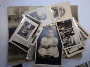 Accumulo di circa 30 foto in bianco e nero