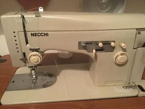 Macchina per cucirericamare necchi logica super posot class for Macchina cucire necchi